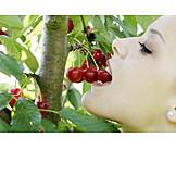 Woman, Indulgence & consumption, Eating, Cherries, Harvest