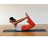 Sport & Fitness, Yoga, Dhanurasana