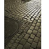 Manhole cover, Cobblestone