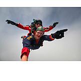 Action & Abenteuer, Fliegen, Fallschirmspringer, Fallschirmsprung