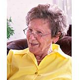 Großmutter, über 60 Jahre, Rentnerin, Seniorin