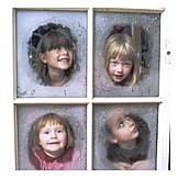 Child, Girl, Curiosity & expectation, Winter, Window, Advent