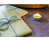 Gift, Candle