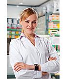 Apotheke, Apothekerin, Pharmazeutisch-technische Assistentin