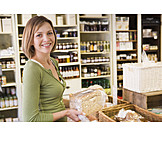 Einkauf & Shopping, Brot, Kundin, Lebensmittelladen