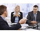 Büro & Office, Besprechung, Kollegen, Geschäftspartner