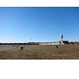 Tempelhof, Tempelhof airport, Tempelhofer park