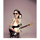 Singer, Rockabilly, Playing guitar