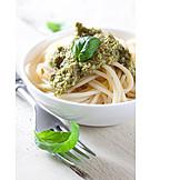 Pasta dish, Spaghetti, Pesto sauce
