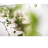 Junge Frau, Augen Geschlossen, Sorglos & Entspannt, Frühling
