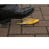 Banana peel, Slipping, Step