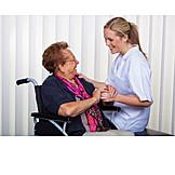 Pflege & Fürsorge, Altenpflegerin, Betreuung, Pflegedienst