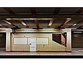 Subway train, Platform