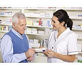 Medikament, Patient, Apotheke, Apothekerin, Nebenwirkungen