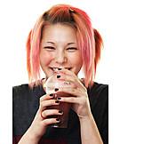 Teenager, Junge Frau, Genuss & Konsum, Trinken, Getränk