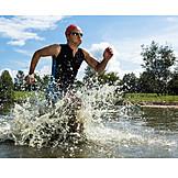 Sport & Fitness, Sportler, Athlet, Triathlon, Freiwasserschwimmen
