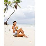 Junge Frau, Genuss & Konsum, Pause & Auszeit, Strand, Urlaub