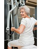 Seniorin, Sport & Fitness, Krafttraining, Rückenübung