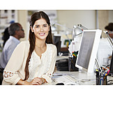 Junge Frau, Büro & Office, Agentur, Arbeitsplatz