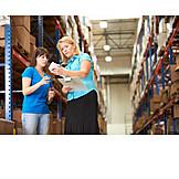 Besprechung & Unterhaltung, Logistik, Lagerhalle, Versandhandel