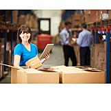 Logistik, Auspacken, Lageristin, Versandhandel
