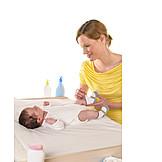 Baby, Mutter, Pflege & Fürsorge, Anziehen