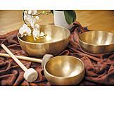 Singing bowl, Music therapy, Singing bowl meditation