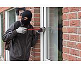 Burglar, Burgle