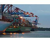 Handel, Containerschiff, Umschlagplatz