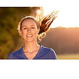 Junge Frau, Sport & Fitness, Aktiv, Joggen