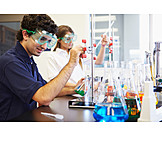 Student, Chemielabor, Chemieunterricht