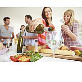 Party, Wein, Einschenken