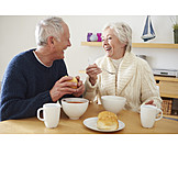 Essen & Trinken, Mittagessen, Seniorenpaar