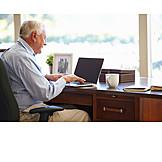 Senior, Freizeit & Entertainment, Laptop