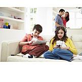 Child, Leisure & Entertainment, Family, Multimedia