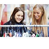 Einkauf & Shopping, Einkaufen, Freundinnen, Shoppen