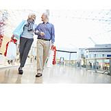 Senior, Paar, Einkauf & Shopping, Einkaufszentrum