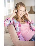 Leisure & Entertainment, Listening Music