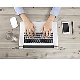 Geschäftsfrau, Mobile Kommunikation, Laptop, Arbeitsplatz
