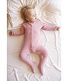Kleinkind, Mädchen, Schlafen, Strampelanzug