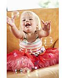 Kleinkind, Kindheit, Seifenblasen