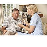 Senior, Pflege & Fürsorge, Altenpflegerin, Blutdruck