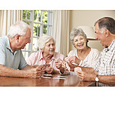 Senior, Altenheim, Freunde, Kartenspiel