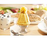 Easter eggs, Easter breakfast, Easter table
