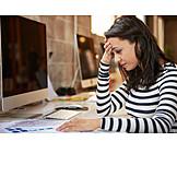 Junge Frau, Büro & Office, überstunden, Stress & Belastung