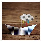 Paper Boat, Craft