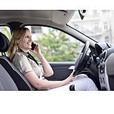 Gefahr & Risiko, Telefonieren, Autofahrerin