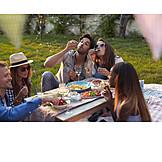 Picknick, Freunde, Seifenblasen, Gartenparty