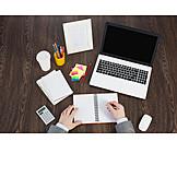 Mann, Büro & Office, Schreibtisch, Arbeitsplatz