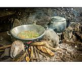 Asiatische Küche, Feuerstelle, Traditionell